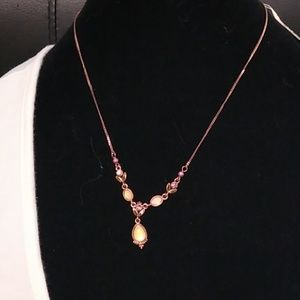 1928 yellow and bronze necklace